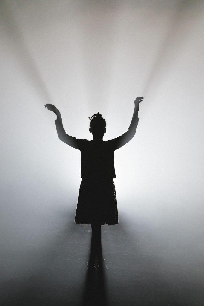 Akilah Mantock as Young Hannah © London Sinfonietta, Manuel Harlan